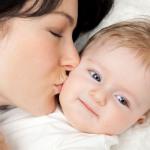 6 aydan küçük bebekleri öpmeyin!